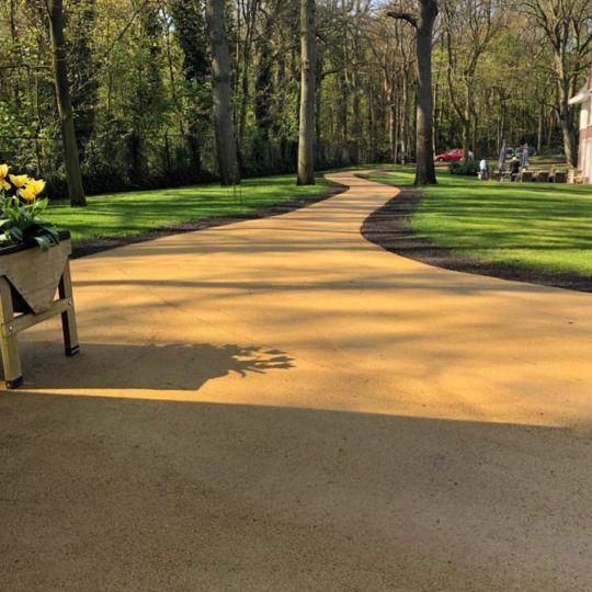 Gekleurd asfalt